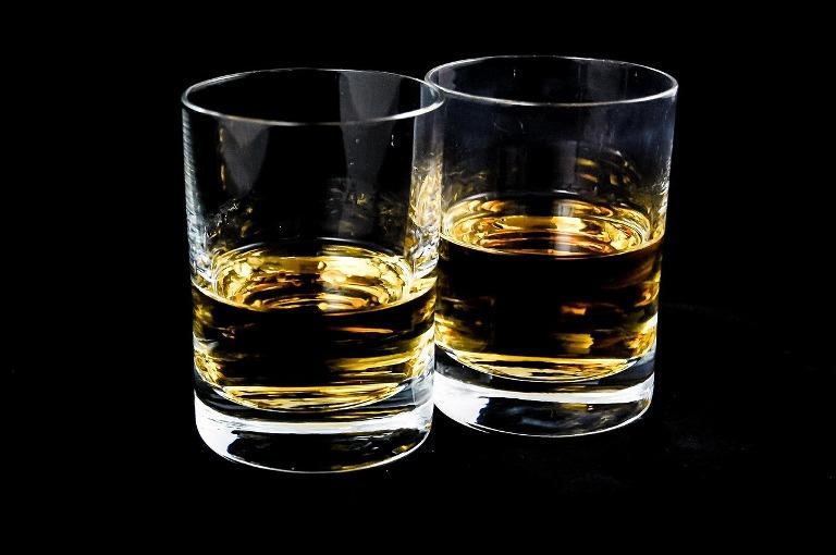 Пити чи ні? В Україні знову дорожчає алкоголь