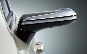 Lexus першим позбувся дзеркал заднього виду, встановивши камери