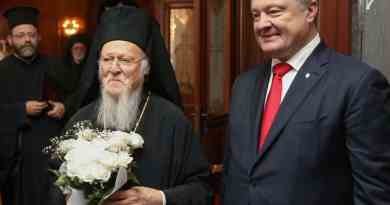 Порошенко віч-на-віч спілкується із патріархом Варфоломієм