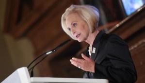 Вдова американського сенатора Джон Маккейна Сінді Маккейн