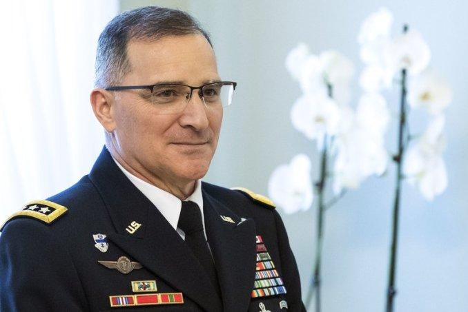 головнокомандувач об'єднаних збройних сил НАТО в Європі генерал Кертіс Скапаротті