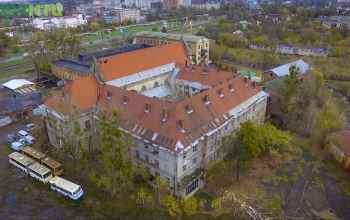У Львові намагаються врятувати монастир кармелітів