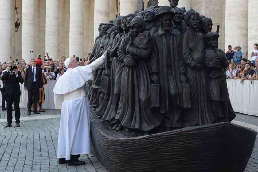 Папа Франциск і скульптура