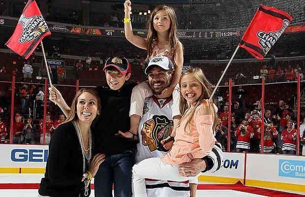 Брент Сопел з дружиною і дітьми