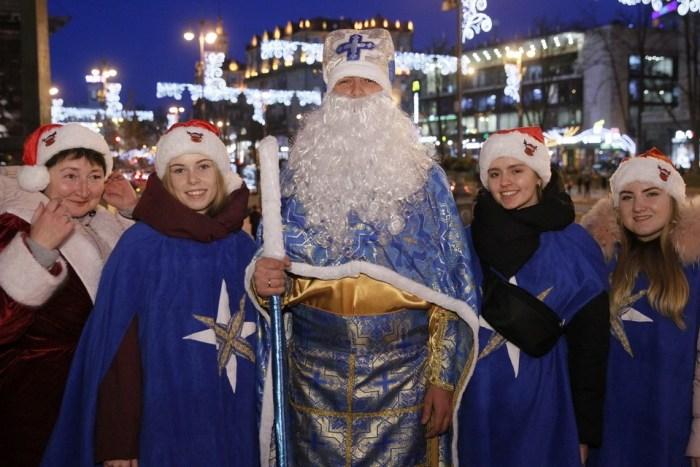 Помічники Святого Миколая провели ходу у Києві
