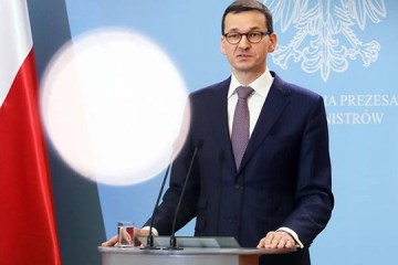 Польща припиняє міжнародне залізничне та авіаційне сполучення