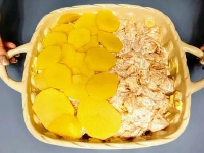 Вечеря на ШВИДКУ руку: мариноване куряче філе і картопля