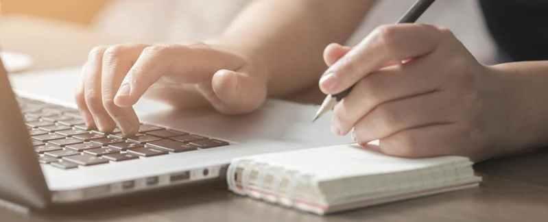При вивченні нової мови краще писати рукою, ніж друкувати - дослідження