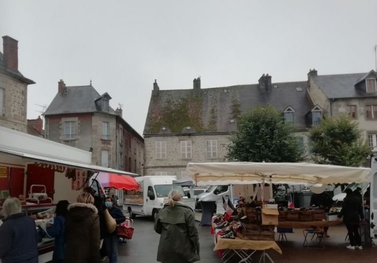 Place Courtaud, Felletin, Marché