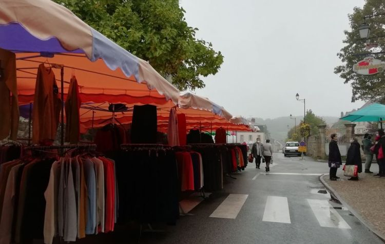 vetements, Marché de Felletin