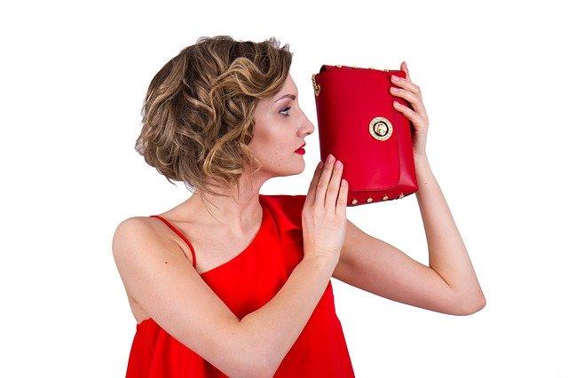 30代女性のクラッチバッグの選び方