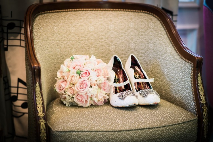 【30代女性向け】ウェディングシューズおすすめブランド10選!大人花嫁の足元を彩ってくれるアイテム