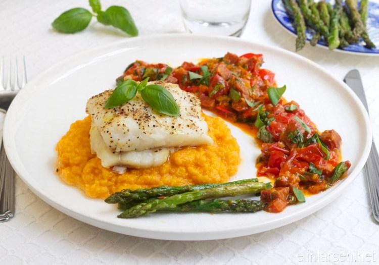 Ovnsbakt-torsk-med-chorizosalsa-og-sotpotetmos