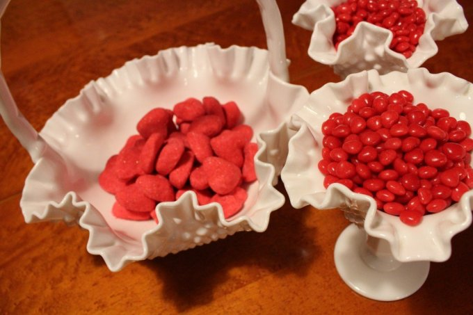 Valentine's Day Milk Glass Candy: 3ten.ca