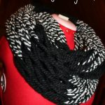 Arm Knitting: Infinity Scarf