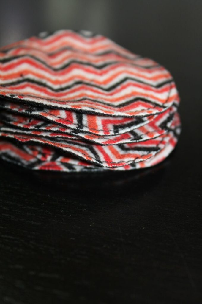 diy Cotton Rounds: 3ten.ca #sewing #makeup #ecofriendly