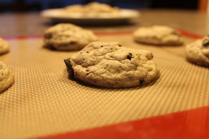 Cookies 'n Cream Cookies: 3ten.ca #oreo #baking