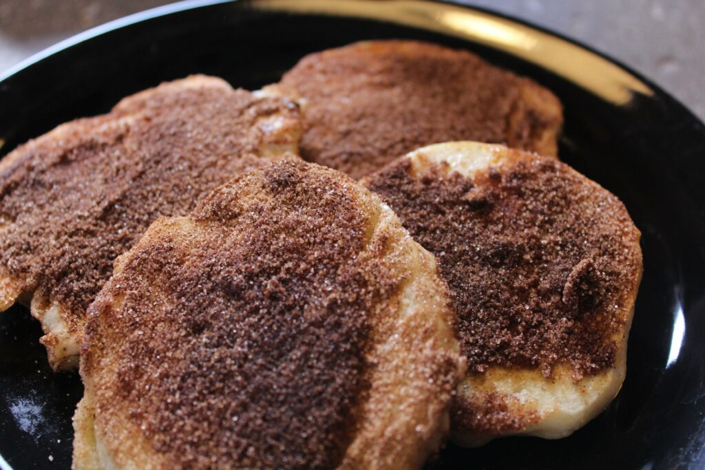 Churro Pancakes: 3ten.ca #pancake #breakfast