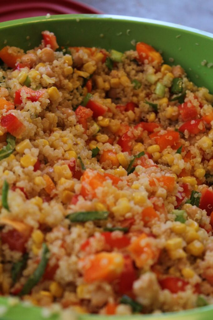 Quinoa Salad with Lemon Basil Dressing: 3ten.ca #quinoa #salad