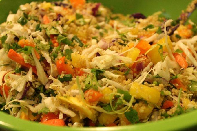 Quinoa Asian Salad: 3ten.ca #summersalad #quinoa