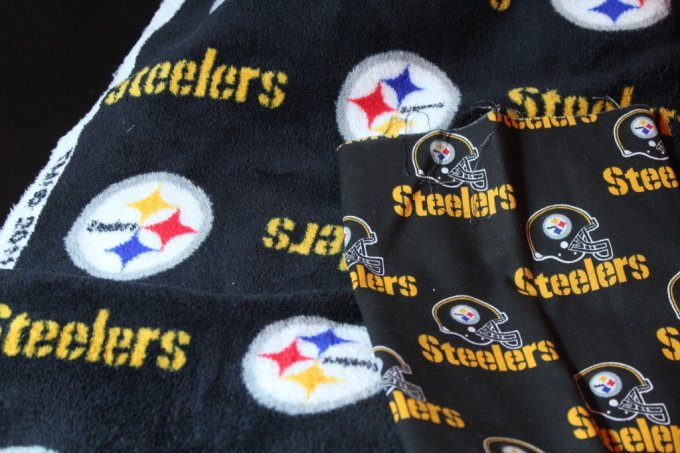 NFL Game Day Pillows: 3ten.ca #nfl #gameday