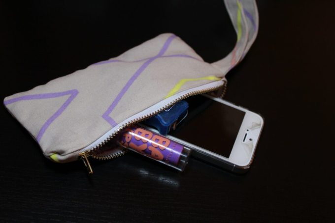 Clutch with Wrist Strap Sewing Tutorial: 3ten.ca