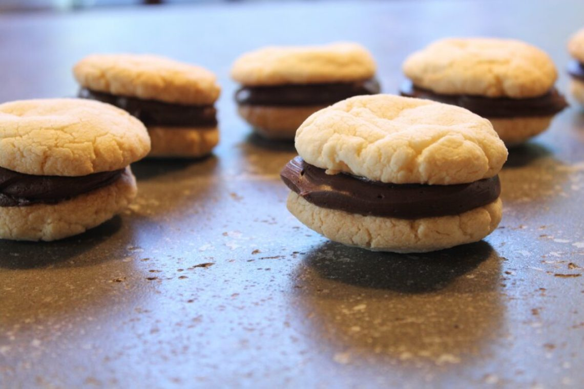 Icing Cookie Sandwich: 3ten.ca