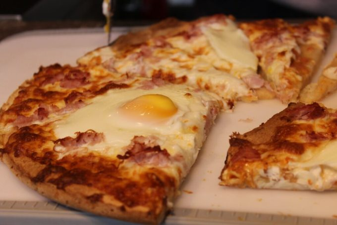 Gluten Free Breakfast Pizza: 3ten.ca