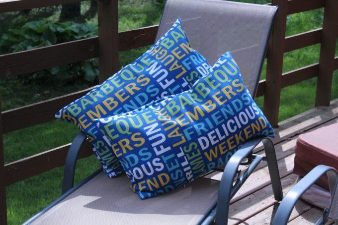 Outdoor Pillows: 3ten.ca