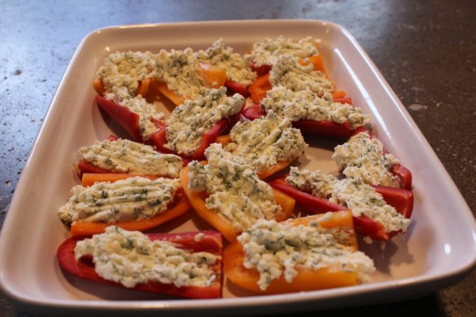 Cheesy Dill Stuffed Peppers: 3ten.ca