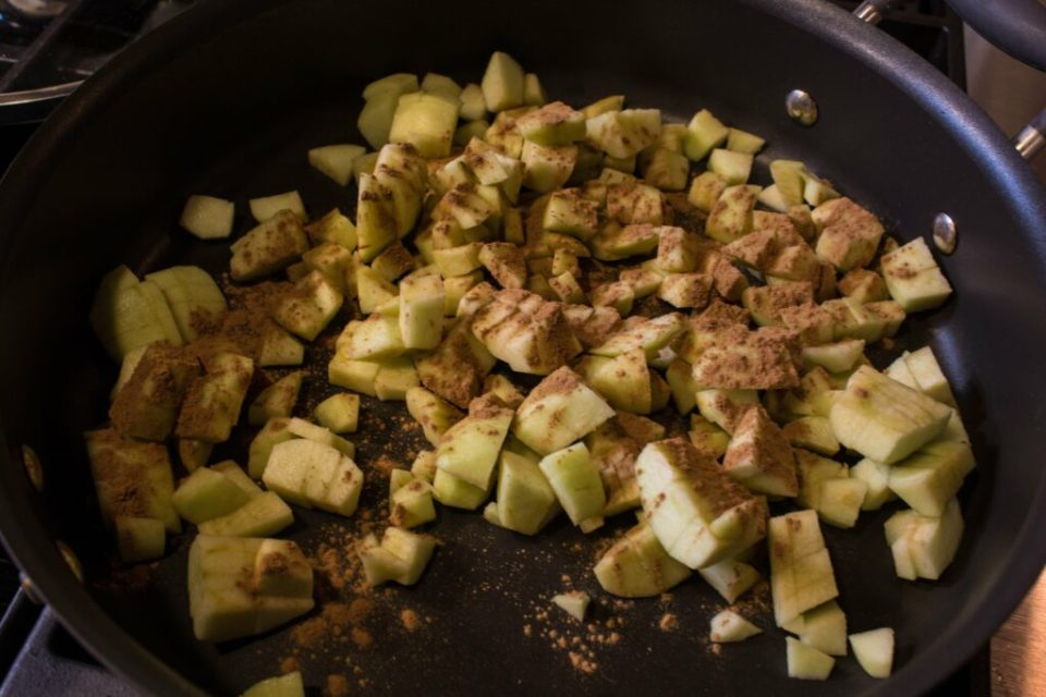 Easy Apple Sauce: 3ten.ca