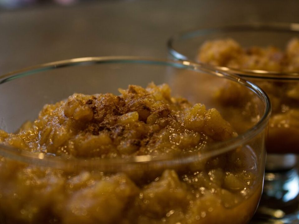 Homemade Easy Apple Sauce: 3ten.ca