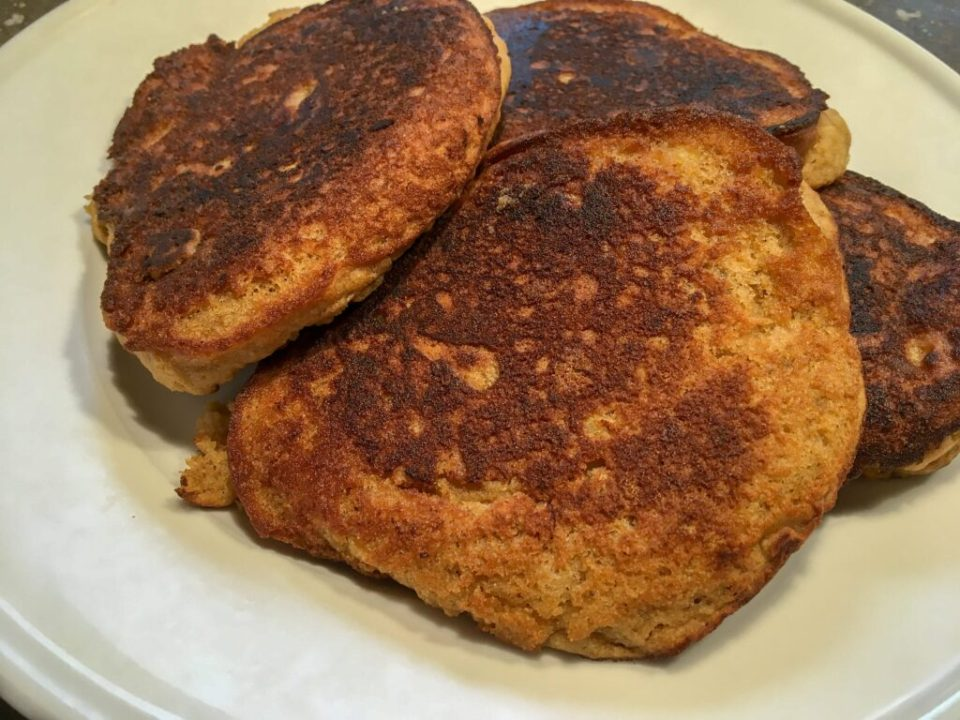 Banana Bread Pancakes: 3ten.ca