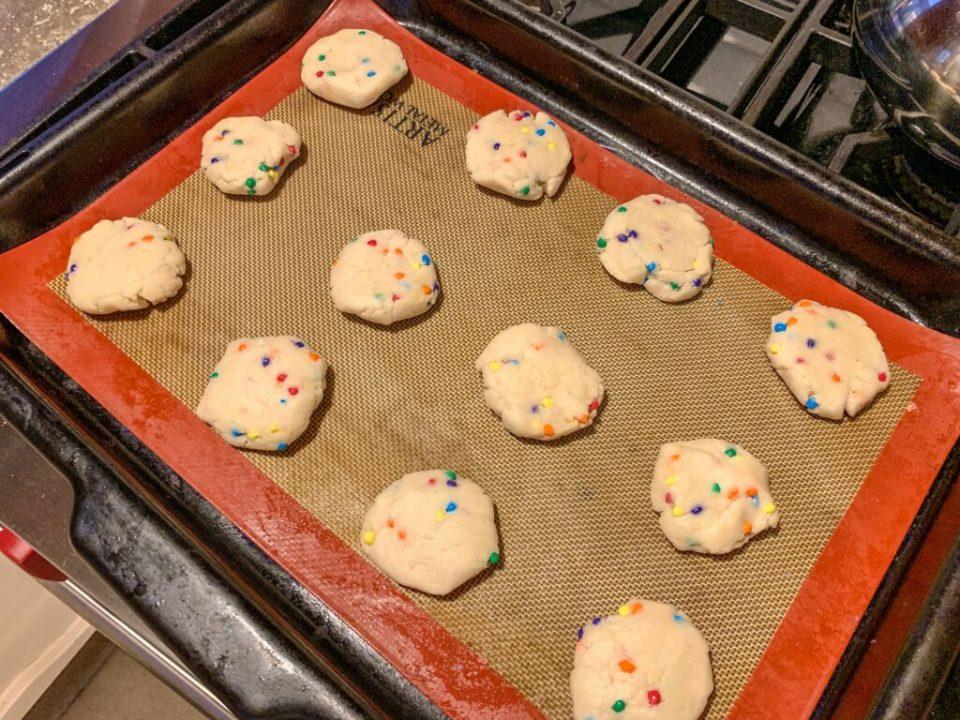 Crunchy Rainbow Cookies: 3ten.ca