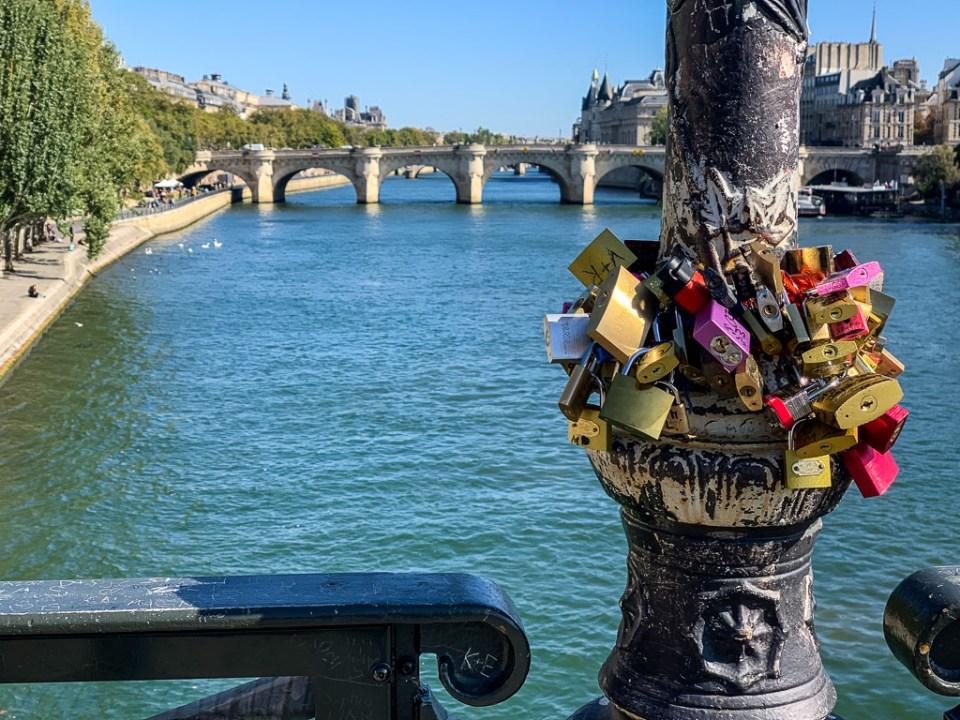 Love Lock Bridge: 3ten.ca