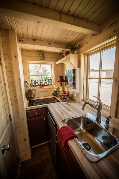 tiny house without kitchen