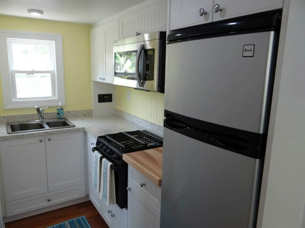 tiny house with full kitchen and bath