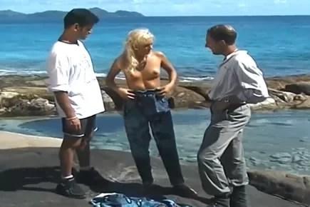 Retro porn - tropical mmf threesome