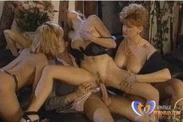 Retro pornó - gruppenszex