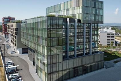 Glasfassade von 4B, Suurstoffi Rotkreuz