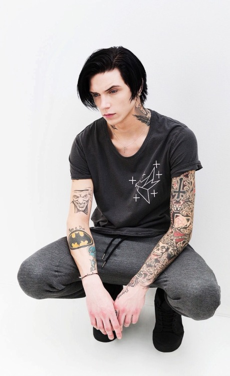 Falling In Reverse Lock Screen Wallpaper Andy Biersack On Tumblr