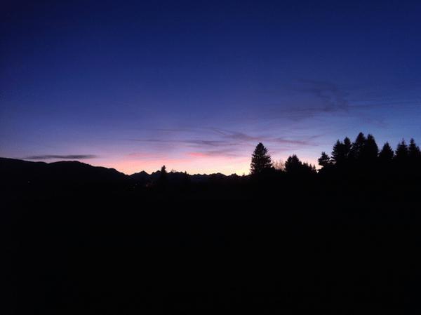 mangia minga // Dusk on Mühlegg - Abendstimmung overlooking the Ammergauer Alpen