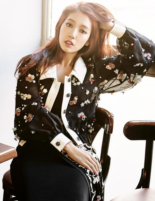 [MAGAZINE] Park Shin Hye – Elle Magazine November Issue '15 2000x2587