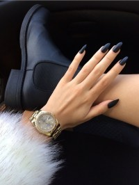 pointy black nails | Tumblr