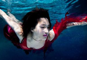 水中撮影 綾瀬はるか