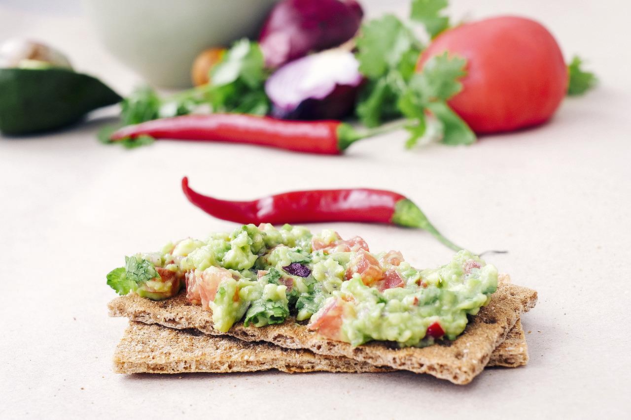 Рецепт приготовления традиционной мексиканской закуски гуакамоле. Кулинарный блог Кухарики. Краснодар