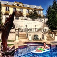 Rich Kids Of Instagram  Pool in the backyard that look ...