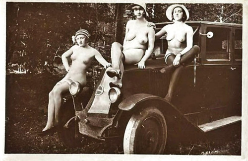 motorized flapper sluts!  Motorized flapper sluts! (Source: grandma-did)