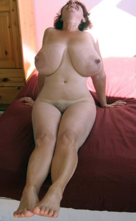 tumblr low hanging boobs