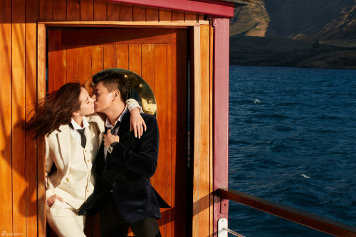 Nicky Wu and Liu Shishi kiss in wedding photo